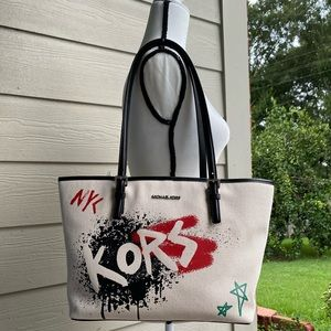 Michael Kors craffiti carryall tote
